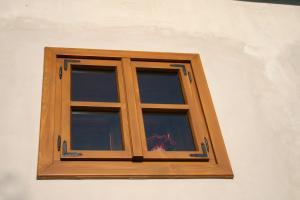 Okná, okenice